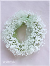 W051 Baby's Breath Wreath Mini