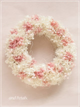 W063 Full Bloom Wreath