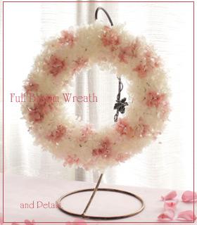 桜色のアジサイを使ったプリザーブドフラワーのリース