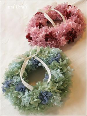 結婚式で両親への花束贈呈にぴったりのプリザーブドフラワーのリース