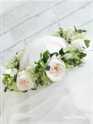 プリザーブドフラワーのオールドローズを使ったナチュラルな花冠