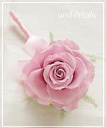 OP102 花束贈呈のブトニア
