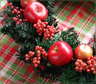 プリザーブドフラワーのモミの木とリンゴの大きめクリスマスリース