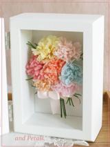 F007 Mom's Carnation Photoframe