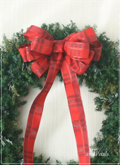 赤いリボンの王道クリスマスリース
