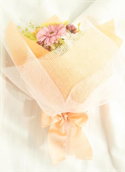 ガーベラいっぱいの花束
